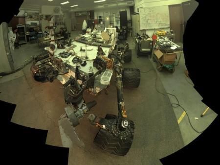 rover curiosity en laboratorio