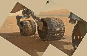 Las ruedas de Curiosity vistas por MAHLI (NASA/JPL/Emily Lakdawalla).